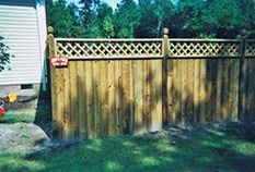 Stockade fence with Lattice